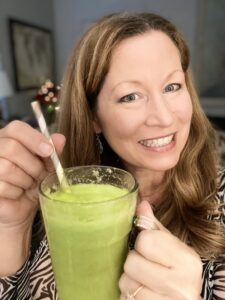 Sara with energy boosting green smootie