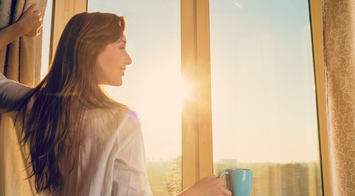 Want to feel better but don't even know where to start? Feeling better starts with giving your bad thoughts a break and that can be difficult to do. Feeling better can happen in just a few minutes. Here's how to feel better in five minutes day.